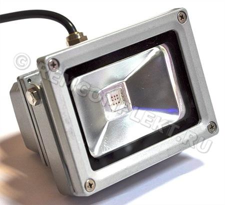 Прожектор светодиодный 10W красный 100гр 220V IP65