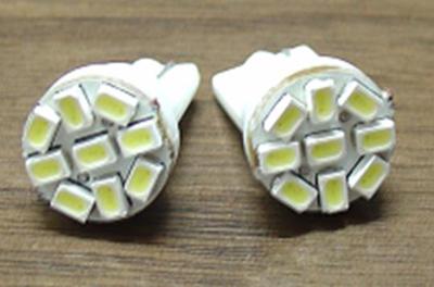Светодиодная автолампа T10 9 светодиодов 3020 12V белая