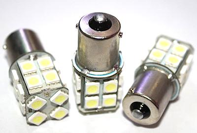 Светодиодная автолампа P21W 20 светодиодов 5050 12V белая